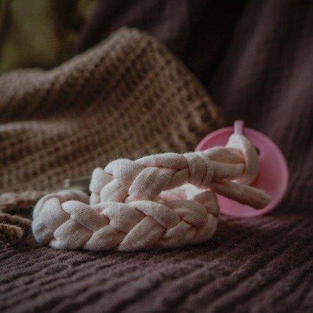 Hi Little One Warkoczykowa bawełniana zawieszka do smoczka navy