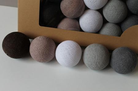 Świecące kule COTTON BALL zestaw Chestnut 35 sztuk